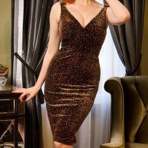 Laura Byrnes Gilda Dress in Leopard Velvet